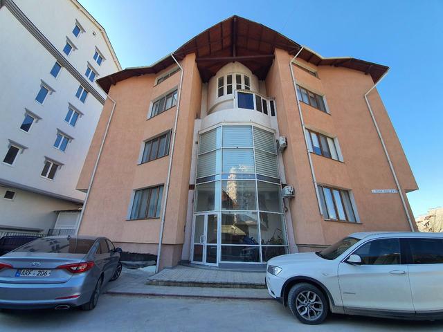 Se vinde apartament cu 3 camere și terasă CENTRU , bloc dat in exploatare - 1