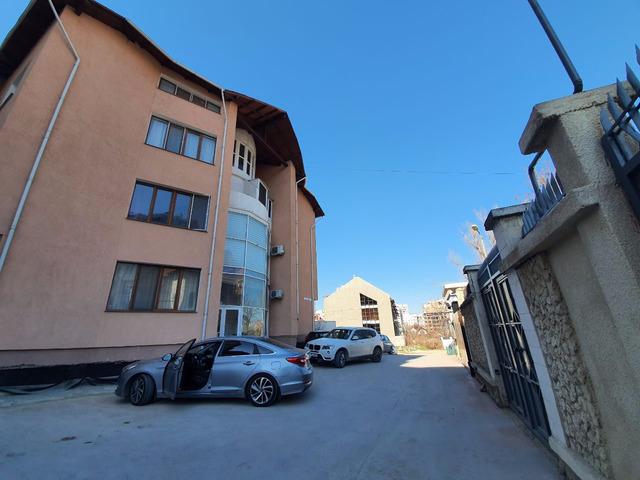 Se vinde apartament cu 3 camere și terasă CENTRU , bloc dat in exploatare - 2