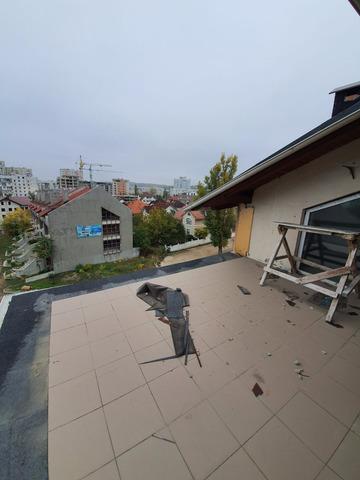 Se vinde apartament cu 3 camere și terasă CENTRU , bloc dat in exploatare - 6