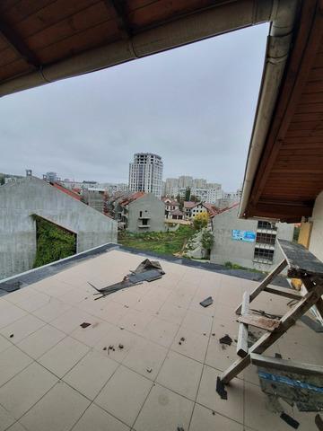Se vinde apartament cu 3 camere și terasă CENTRU , bloc dat in exploatare - 7