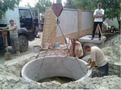 Копаем канализации траншей сливные ямы септики водопровод есть кольца!