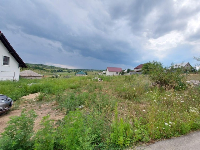 Продается земельный участок под строительство- 6 соток - 2